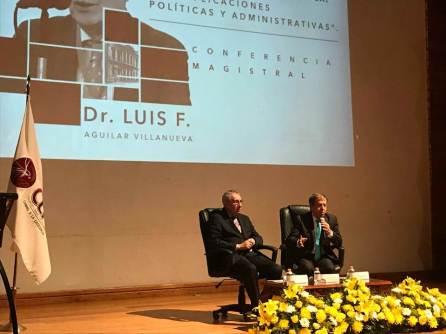 """Colegio Libre de Hidalgo organizó la Conferencia Magistral """"La Nueva Gobernanza Pública. Sus implicaciones políticas y administrativas"""""""