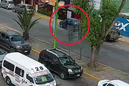 Con el apoyo de videocámaras, en pocos minutos recuperan vehículo robado en Tulancingo