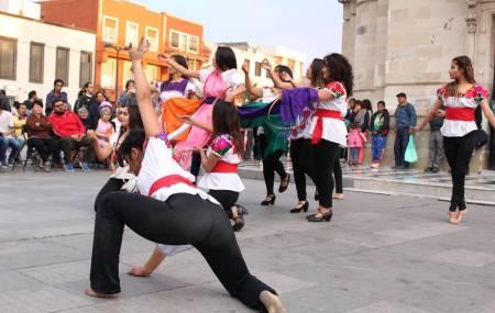 Cultura, moda y tradición, presentes en evento de la UAEH2.jpg