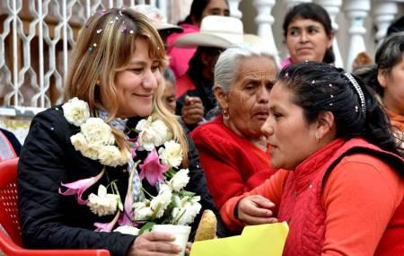 Destaca Sayonara Vargas el papel de la mujer en la sociedad2.jpg