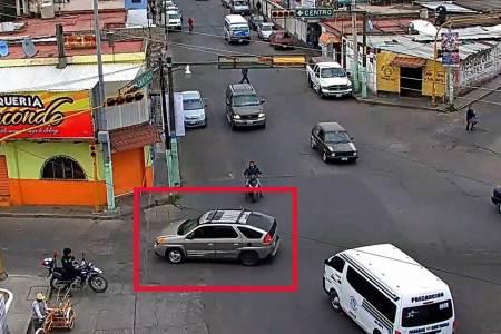 Detenido en Tulancingo, cuando transportaba en una camioneta cuatro contendores llenos de combustible