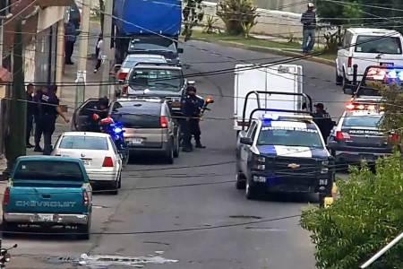 Detenido en Tulancingo, cuando transportaba en una camioneta cuatro contendores llenos de combustible2.jpg