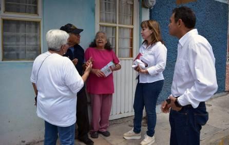 Dialoga Citlali Jaramillo con vecinos del barrio de Cubitos3