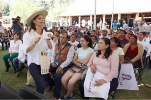 En Tecozautla hay obras y beneficios gestionados por Nuvia Mayorga, Héctor Pedraza