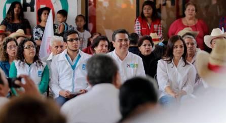 Francisco Sinuhé Ramírez Oviedo y Nuvia Mayorga visitan Villa de Tezontepec4