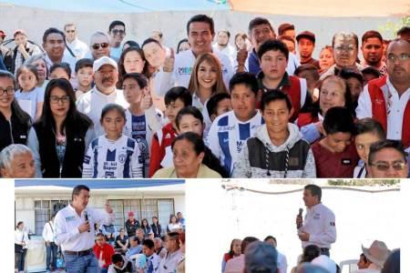 Francisco Sinuhé se reúne con deportistas de Tlanalapa