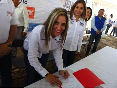 """Guadalupe Rodríguez Uribe inició con la firma compromiso """"Por Una Campaña Limpia""""2"""
