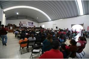 Lidia García impulsará desde la Cámara un programa para atender a personas de Acayuca que enfrentan problemas de insuficiencia renal