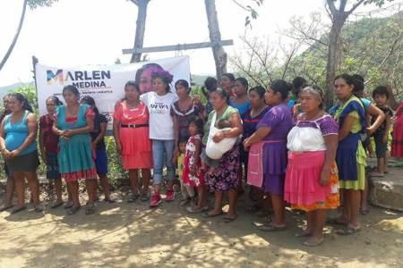 Marlen Medina visitó ya 11 municipios de su distrito con cabecera en Huejutla2