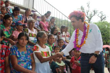 Propone Alex González, candidato al Senado eliminar rezago legislativo