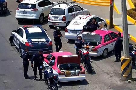 Quinteto de sujetos detenidos al estar implicados en probable actividad ilícita de hidrocarburos