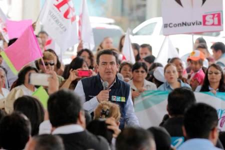 Refrendan Francisco Sinuhé Ramírez y Nuvia Mayorga, su compromiso con los hidalguenses2