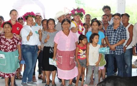 Adela Pérez Espinoza se compromete a trabajar a favor de la gente de orizatlense1.jpg