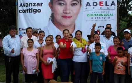 Adela Pérez Espinoza se compromete a trabajar a favor de la gente de orizatlense2.jpg