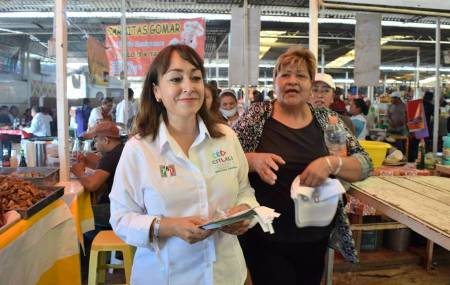 Citlali Jaramillo dialoga con comerciantes de La Barata y de la Central de Abastos2