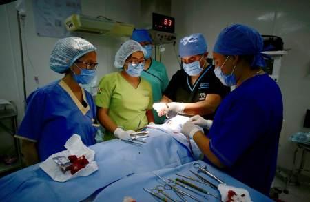 Dona UAEH cirugías a 12 pequeños con labio leporino y paladar hendido2