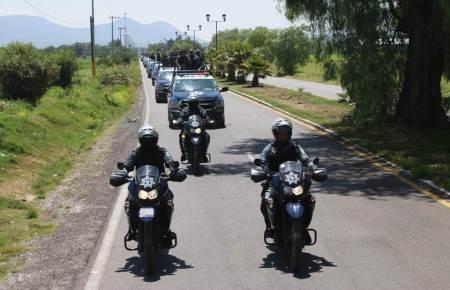 En operativo aseguran 50 vehículos, más de 65 mil litros de combustible y detienen a 5 personas2