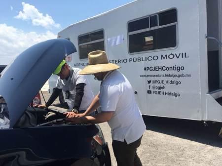 En operativo en tianguis de Tulancingo, aseguran tres vehículos de procedencia ilícita