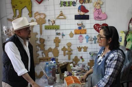 Fortalecer los centros de salud de primera atención para las mujeres y sus hijos, propone Lorenzo Arroyo