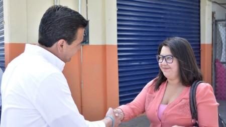 Francisco Sinuhé reconoce el esfuerzo diario de las mamás hidalguenses