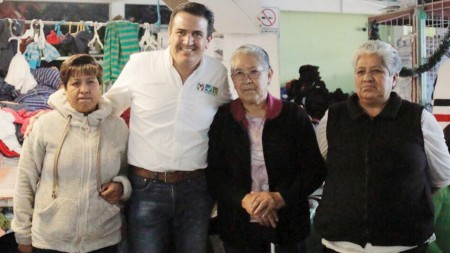 Francisco Sinuhé reconoce el esfuerzo diario de las mamás hidalguenses2