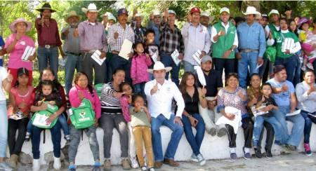 Gestionar mayores recursos para contar con servicios médicos de calidad, compromiso de Fabrice Rodríguez1.jpg