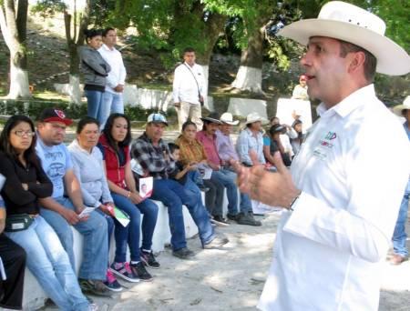 Gestionar mayores recursos para contar con servicios médicos de calidad, compromiso de Fabrice Rodríguez2