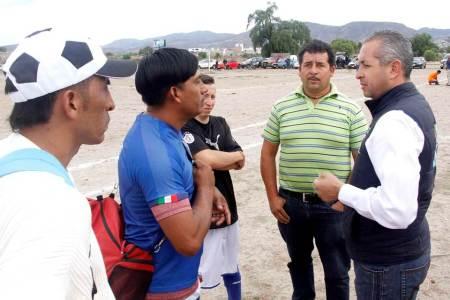 Impulsar el deporte, compromiso de Sergio Baños