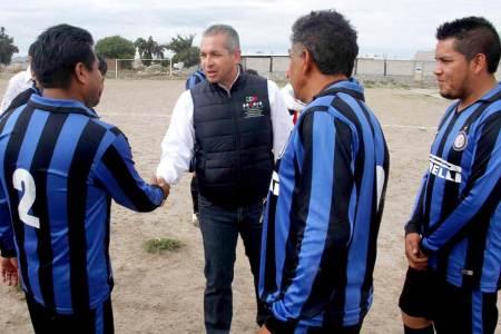 Impulsar el deporte, compromiso de Sergio Baños2