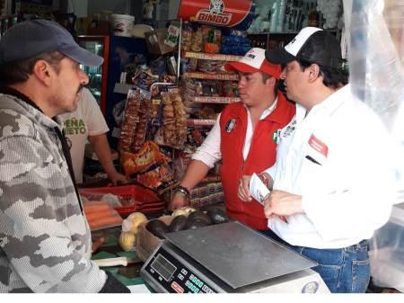 José Luis Espinosa Silva propone mejores condiciones y créditos para comerciantes fijos y semifijos