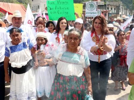 La Sierra Otomí Tepehua llevará al triunfo a Nuvia Mayorga1.jpg