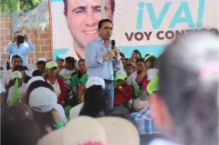 Las mujeres son el pilar de este país, Alex González4