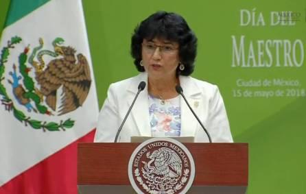 Maestros de Hidalgo recibieron reconocimientos por parte del presidente de la República1