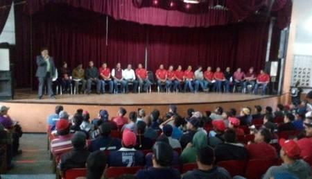 Más de 1000 trabajadores agremiados, escucharon y ovacionaron el proyecto de nación de MORENA y los diputados locales, Rafael Garnica y Jorge Mayorga.2