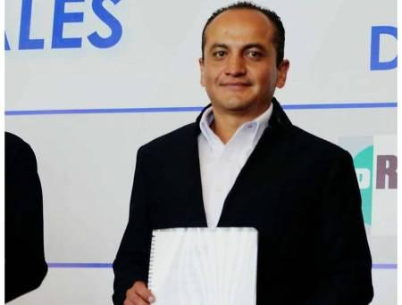 Misael Vera, expuso sus propuestas legislativas ante empresarios hidalguenses.jpg