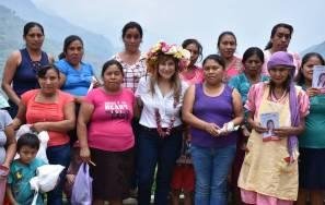 Oportunidades de estudio para todos, propone Sayonara Vargas2