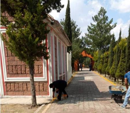 Realizan operativo especial de limpieza en panteones de Tizayuca.jpg