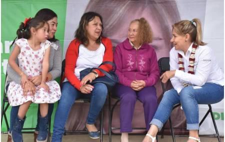 Representará Sayonara Vargas las causas de los maestros en el congreso