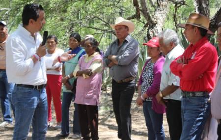 Roberto Núñez compromete legislar por la educación