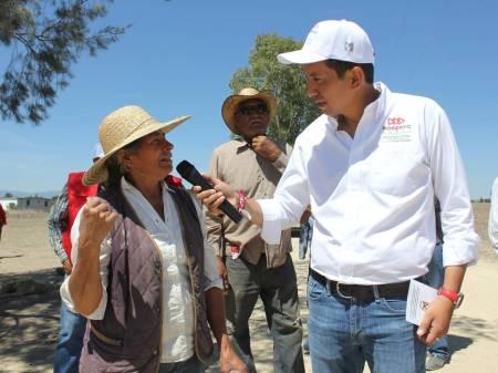 Roberto Núñez prioriza las comunidades y barrios que se encuentran en total desatención 1