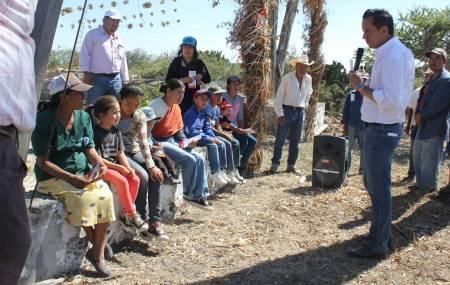 Roberto Núñez prioriza las comunidades y barrios que se encuentran en total desatención 2