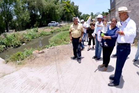 Rodolfo Paredes mediante diálogo con la gente fortalece sus propuestas2.jpg