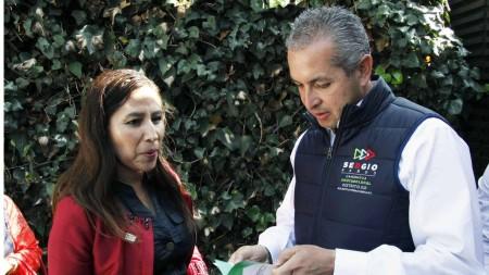Trabajo conjunto con asociaciones civiles, pide Sergio Baños