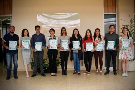 UTEC entrega reconocimientos a sus estudiantes, docentes y personal administrativo