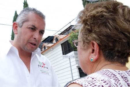 Vecinos de Infonavit Venta Prieta externan necesidades a Sergio Baños