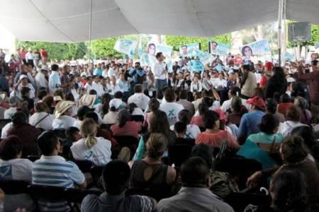 Alex González compromete rendición de cuentas cada seis meses2