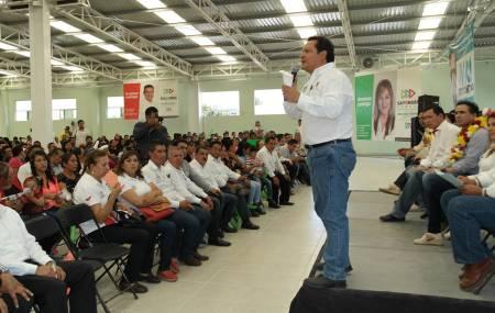 Apoyo a empresarios y emprendedores propone José Luis Espinosa Silva1