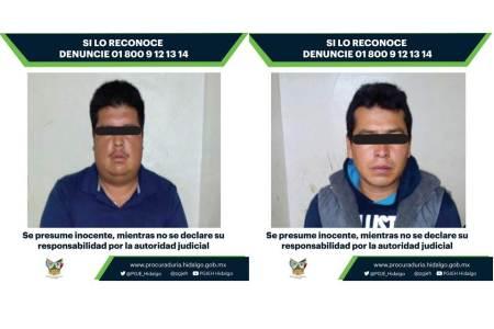 Aseguran 13 vehículos y detienen a dos personas implicadas en extracción ilegal de hidrocarburos en Tepeji