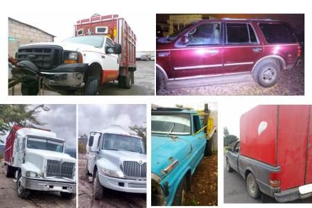 Aseguran en Nopala siete vehículos con reporte de robo y detienen a cinco personas