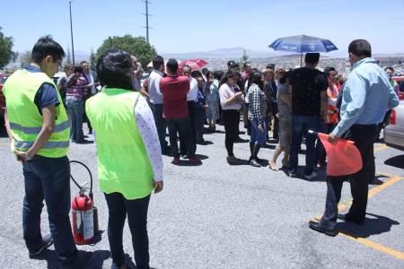 Capacitan a personal de la UAEH para evacuar en caso de sismo2